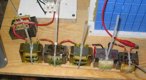 Construcci n de una tesla con materiales baratos y for Transformadores de corriente 220v a 12v